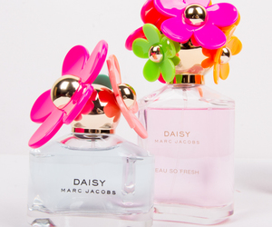 beauty, daisy, and marc jacobs image