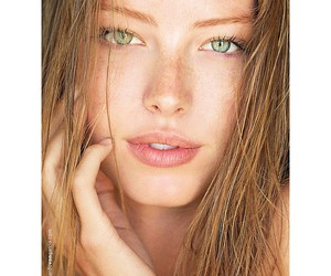 freckles and green eyes image
