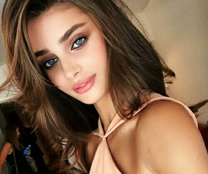 model, taylor hill, and perfect image