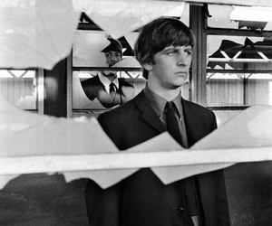 ringo starr, Paul McCartney, and the beatles image