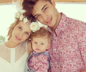 Francisco Lachowski, family, and baby image