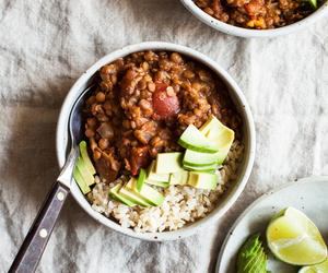 chili, lentils, and tomato image