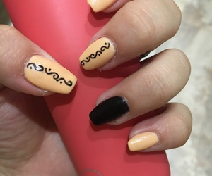 black, girly, and manicure image