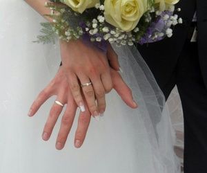 свадьба, цветы, and жених image
