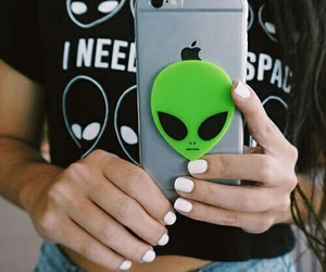 alien and iphone image