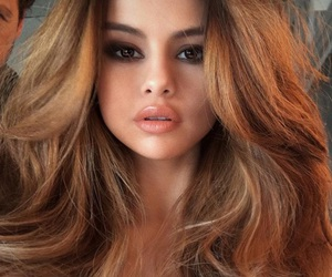 hair and selena gomez image