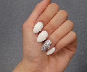 fake nails, fashion, and nail image
