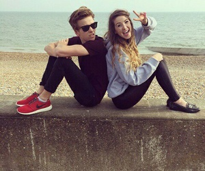 zoella, joe sugg, and zoe sugg image