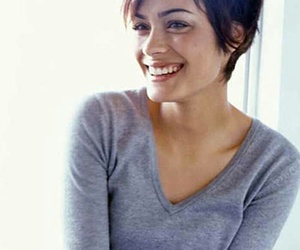 hair, smile, and short hair image