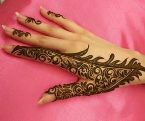 arab design henna image