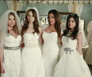 pll, pretty little liars, and spencer image