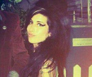 Amy Winehouse, amy jade winehouse, and beyoncé image