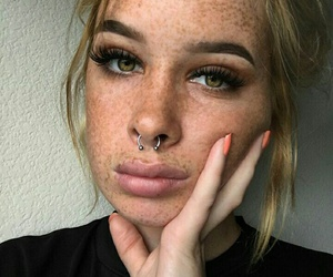 icon, blonde, and freckles image