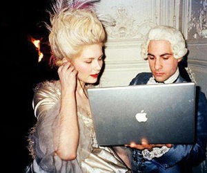 marie antoinette, apple, and Kirsten Dunst image