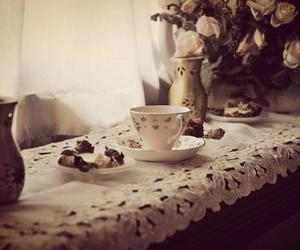 cup, vintage, and flowers image