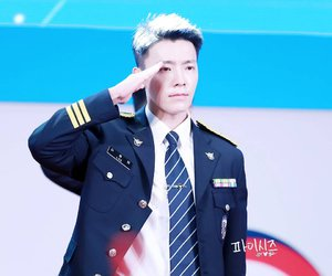 donghae, army, and handsome image