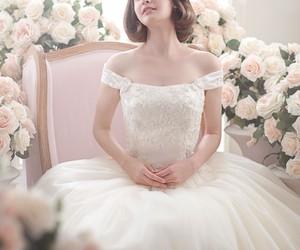 beautiful, dress, and roses image