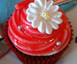 cupcake, daisy, and flower image