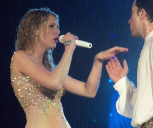 rain, taylor, and Taylor Swift image