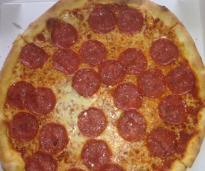 bae and pizza image