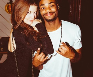 amanda cerny, viners, and king bach image