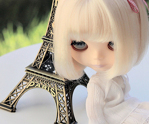 blonde, blythe, and eiffel tower image