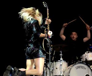 Ellie Goulding and glastonbury image