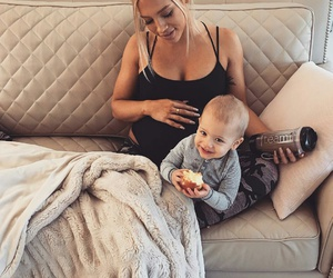 pregnant, tammy hembrow, and baby image