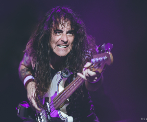 bassist, heavy metal, and the book of souls tour image