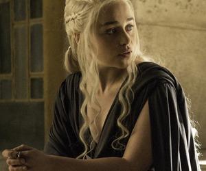 Queen, game of thrones, and daenerys targaryen image