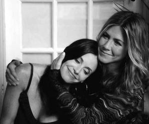 Jennifer Aniston, friends, and Courteney Cox image