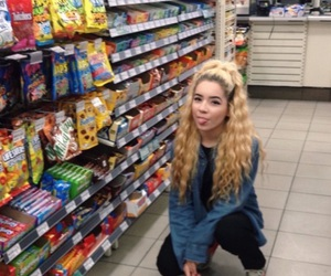 curly hair, cute girl, and supermarket image