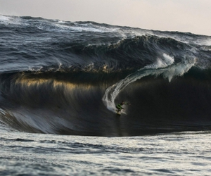 australia and surfing wave image