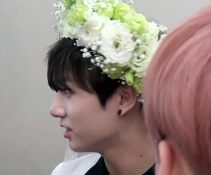 flower crown, v, and lq image
