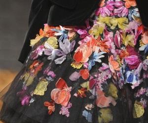 Alexander McQueen, runway, and skirt image