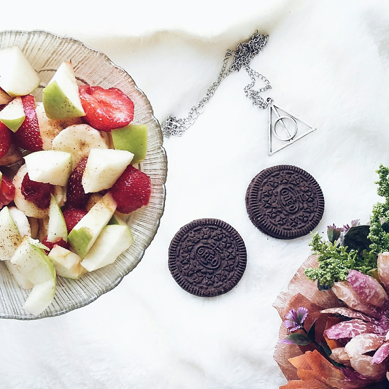 apple, harrypotter, and oreo image