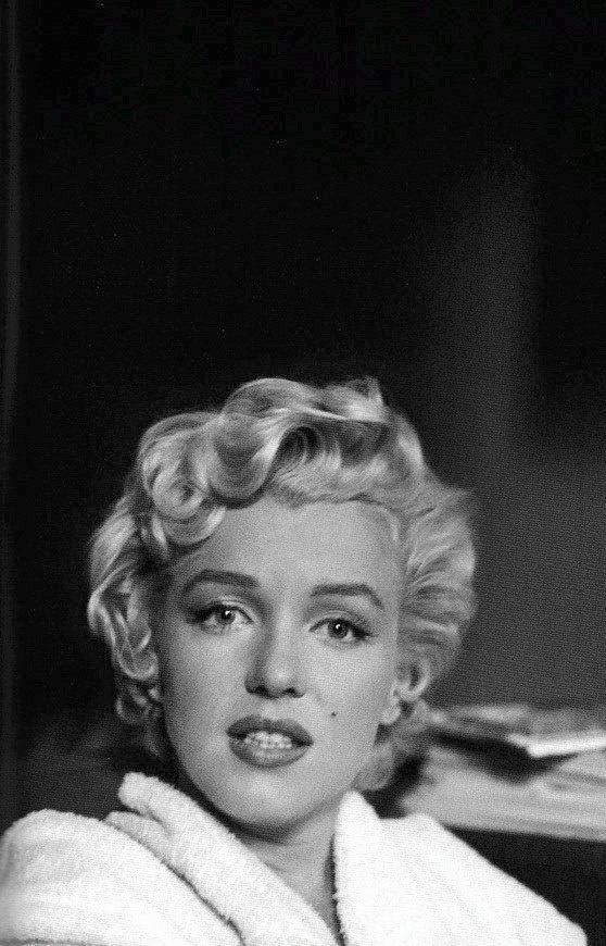 Marilyn Monroe, b&w, and black and white image