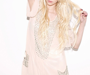 beautiful, famous, and Taylor Momsen image
