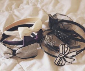 bow and headband image