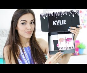 kylie jenner lipsticks, video, and kylie jenner image