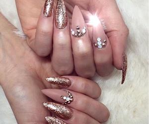nails and tumbrl image
