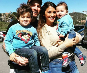 messi, Barca, and family image