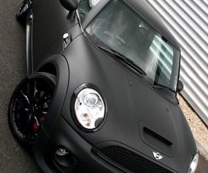 car and mini cooper s image