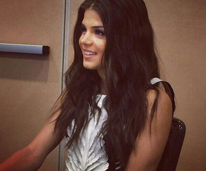 the 100 and marie avgeropoulos image