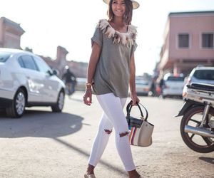 hat, white jeans, and alpargatas image