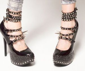 fashion, shoes, and spikes image