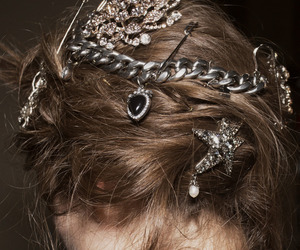fashion, hair, and Alexander McQueen image