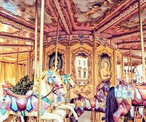 cavalos, parque de diversoes, and carrosel image