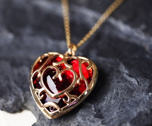 accessories, heart, and queen of hearts image