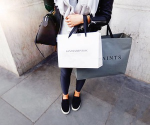 bags, london, and love image